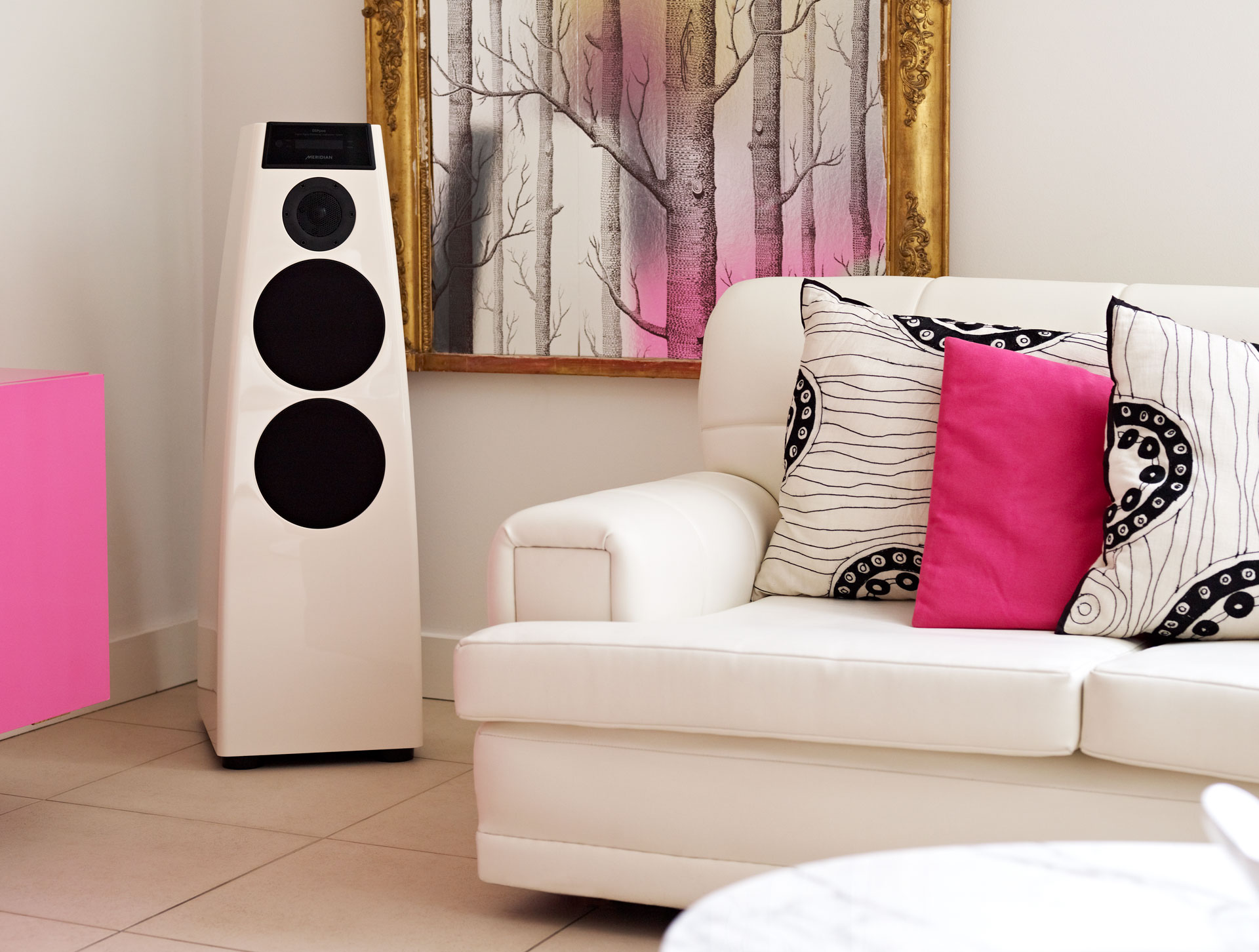 Audio consumer electronics lifestyle product photography by UK photographer Del Manning